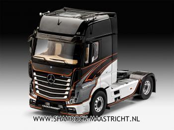 Revell Mercedes-Benz Actros MP4